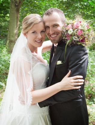 Brautmoden Bonn, Hochzeitskleid nach Mass, Änderungsschneiderei Bonn